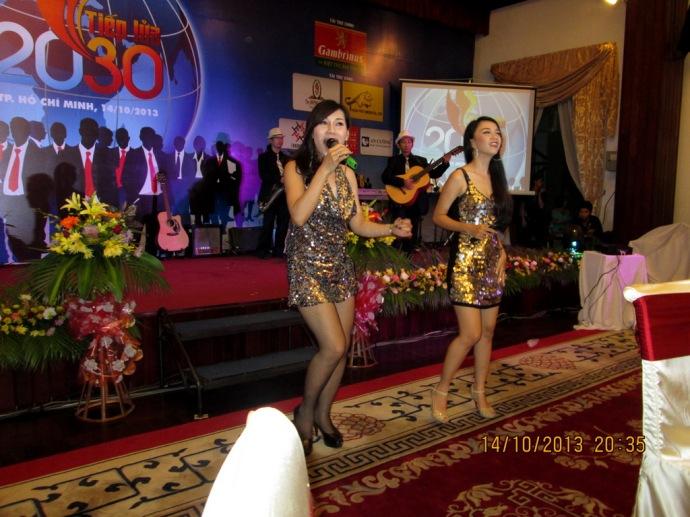 Gala Ngày Doanh Nhân Việt Nam 2013 tại Sảnh Khánh Tiết Dinh Thống Nhất