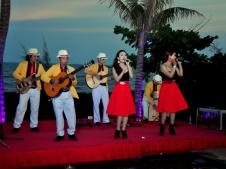 cho-thue-Ban-Nhac-Flamenco-Tumbadora-Blue-Sapphire-Resort-001