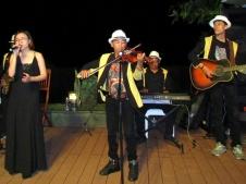 cho-thue-Ban-Nhac-Flamenco-Tumbadora-Blue-Sapphire-Resort-005