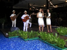 cho-thue-ban-nhac-flamenco-Tumbadora-Maia-Club-001