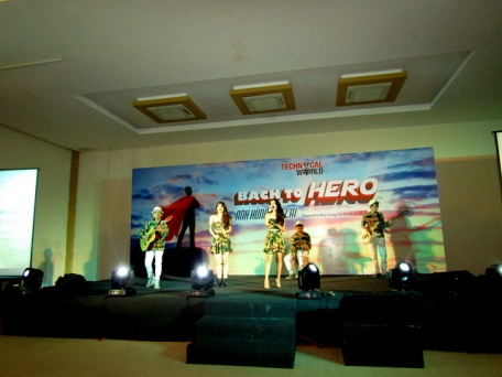 cho-thue-ban-nhac-flamenco-Tumbadora-Nha-Trang-Diamond-Bay-Resort-003