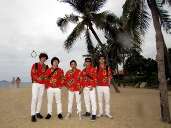 cho-thue-ban-nhac-flamenco-Tumbadora-Nha-Trang-Evason-Mandara-Resort-001