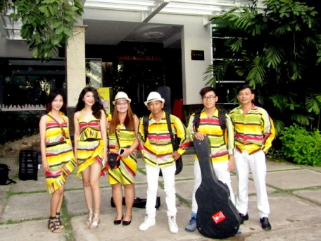 cho-thue-ban-nhac-flamenco-Tumbadora-Phu-Quoc-Hoa-Binh-Resort-001