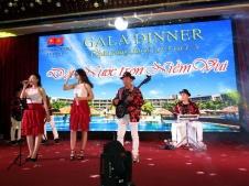 cho-thue-ban-nhac-flamenco-Tumbadora-Vietsovpetro-Ho-Tram-Resort-003