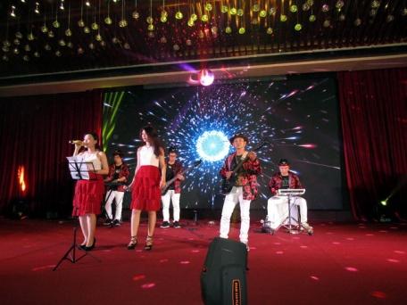 cho-thue-ban-nhac-flamenco-Tumbadora-Vietsovpetro-Ho-Tram-Resort-004