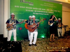 Ban-Nhac-Flamenco-Tumbadora-04-10-2013-Le-Trao-Giai-Golf-Doanh-Nhan-VN-Lan-1