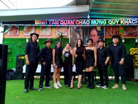 Khai-Truong-Nha-Hang-Hai-San-Minh-Tam-Tumbadora-Band-001