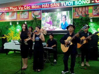 Khai-Truong-Nha-Hang-Hai-San-Minh-Tam-Tumbadora-Band-004