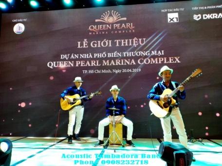 Ban-Nhac-Acoustic-Tumbadora-Du-An-Nha-Pho-Bien-Queen-Pearl-Marina-Complex