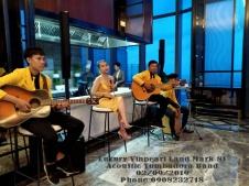 Ban-Nhac-Acoustic-Tumbadora-Quoc-Khanh-Buffet-Dinner-Luxury-Vinpearl-Land-Mark-81