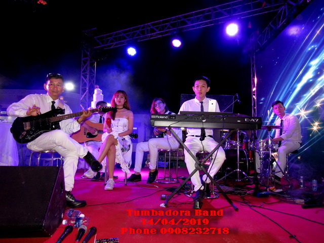 Ban-Nhac-Flamenco-Tumbadora-Bieu-Dien-Dam-Cuoi