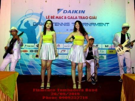 Ban-Nhac-Flamenco-Tumbadora-Giai-Tennis-Daikin-CLB-Lan-Anh