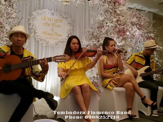 Ban-Nhac-Flamenco-Tumbadora-Hoa-Tau-Dam-Cuoi-Sheraton-Hotel