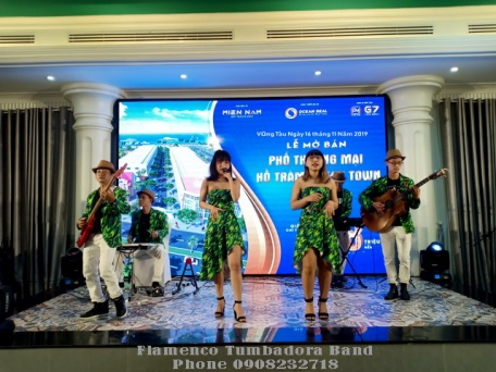 Ban-Nhac-Flamenco-Tumbadora-Le-Mo-Ban-Pho-Thuong-Mai-Ho-Tram-Lan-Rung-Resort