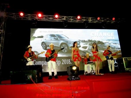 Ban-Nhac-Flamenco-Tumbadora-Mercedes-Benz-Gala-Dinner-Vietsovpetro-Ho-Tram-Resort